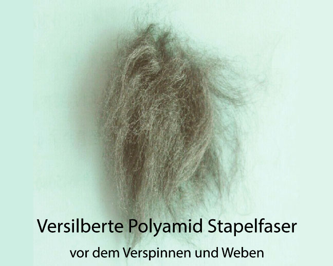 Silberfasern vor dem Verspinnen und Weben